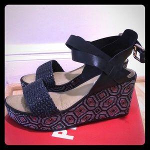 Piccadilly platform sandals